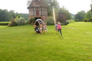 jeux-enfants-parc-jardin-domaine-baronnie-grandcourt